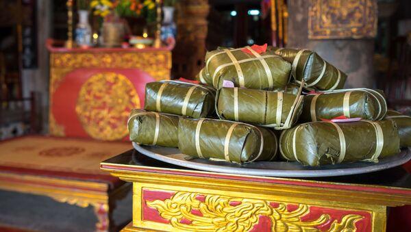 Bàn thờ cúng tổ tiên ngày Tết - Sputnik Việt Nam