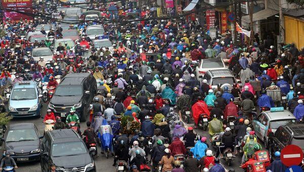 Những ngày cận Tết các tuyến phố thường xuyên xảy ra ùn tắc giao thông. - Sputnik Việt Nam