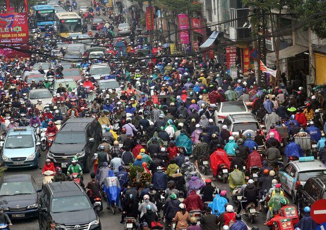 Những ngày cận Tết các tuyến phố thường xuyên xảy ra ùn tắc giao thông.
