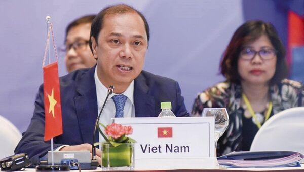 Thứ trưởng Nguyễn Quốc Dũng cho biết Việt Nam sẽ nỗ lực hoàn thành tốt vai trò Chủ tịch ASEAN 2020. - Sputnik Việt Nam