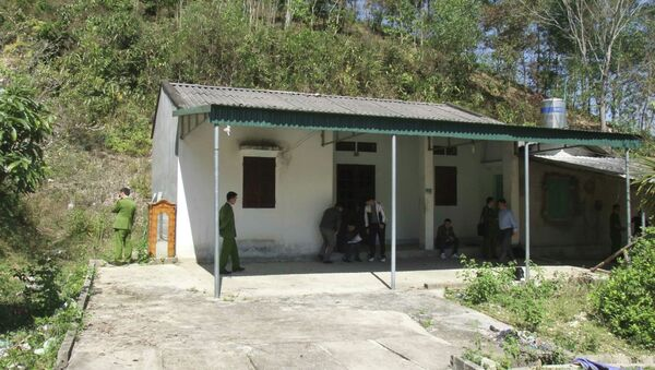 Căn nhà hoang nơi phát hiện thi thể nạn nhân. - Sputnik Việt Nam