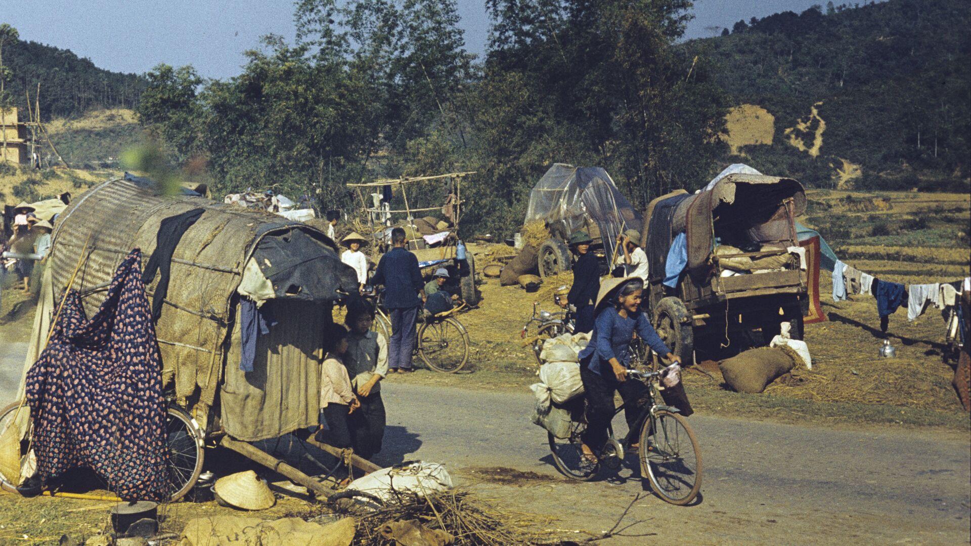 Xung đột vũ trang giữa Việt Nam và Trung Quốc ở biên giới phía bắc của CHXHCN Việt Nam từ tháng 2 đến tháng 3 năm 1979. Tỉnh Lang Son. Dân tản cư từ các tỉnh phía bắc Việt Nam. - Sputnik Việt Nam, 1920, 09.04.2021