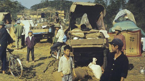 Xung đột vũ trang giữa Việt Nam và Trung Quốc ở biên giới phía bắc của CHXHCN Việt Nam từ tháng 2 đến tháng 3 năm 1979. Tỉnh Lang Son. Dân tản cư từ các tỉnh phía bắc Việt Nam. - Sputnik Việt Nam