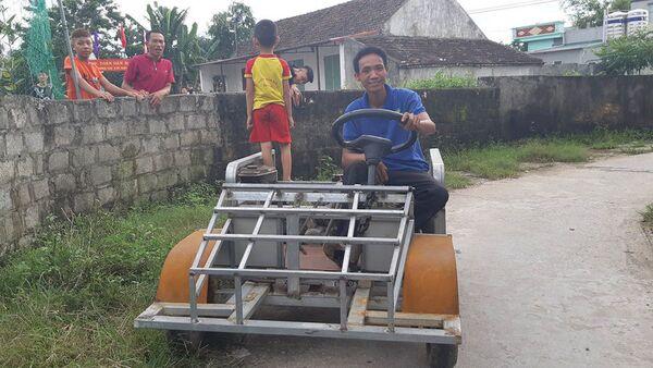 Xe mui trần tự chế của nông dân Nam Định - Sputnik Việt Nam