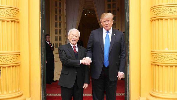 Tổng thống Mỹ Donald Trump gặp Tổng bí thư, Chủ tịch nước Nguyễn Phú Trọng - Sputnik Việt Nam