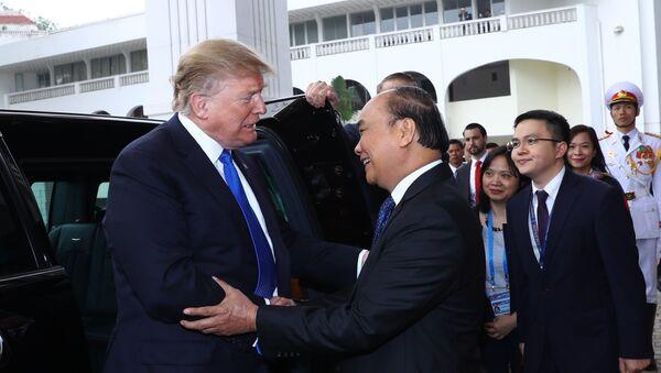 Sáng 27/2/2019, tại Trụ sở Chính phủ, Thủ tướng Nguyễn Xuân Phúc hội kiến Tổng thống Mỹ Donald Trump nhân dịp sang Việt Nam dự Hội nghị thượng đỉnh Mỹ - Triều Tiên lần thứ hai, được tổ chức trong 2 ngày 27-28/2/2019 tại Thủ đô Hà Nội. - Sputnik Việt Nam