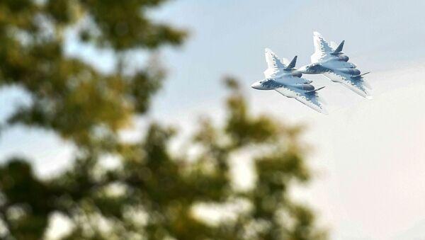 Máy bay chiến đấu đa chức năng Su-57 - Sputnik Việt Nam