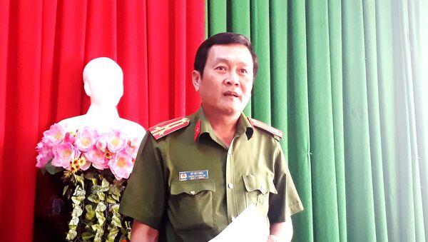 Thượng tá Hồ Việt Triều, Trưởng Công an TP.Cà Mau thông tin với báo chí. - Sputnik Việt Nam
