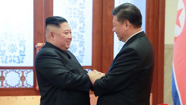Kim Jong-un và Tập Cận Bình - Sputnik Việt Nam