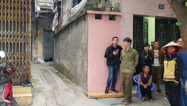 Con ngõ nhỏ nằm trên đường Hoàng Hoa Thám, TP Nam Đinh náo loạn bởi vụ án mạng kinh hoàng lúc rạng sáng. - Sputnik Việt Nam