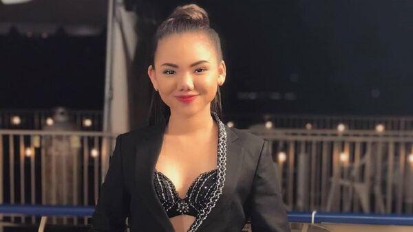 Minh Như bên khẩu hiệu của American Idol - Thần tượng kế tiếp. - Sputnik Việt Nam
