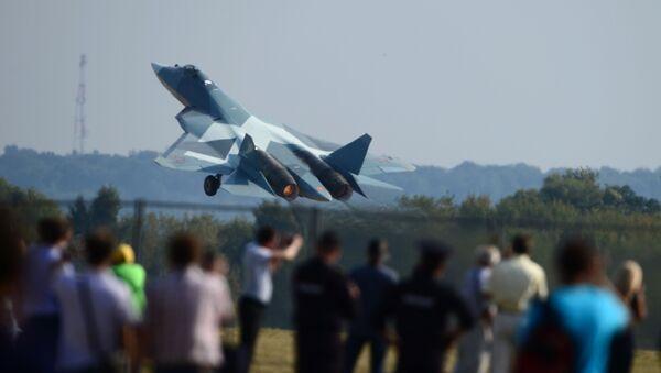 Máy bay T-50 trình diễn tại Triển lãm Hàng không và Vụ trụ MAKS-2015 ở Zhukovsky - Sputnik Việt Nam