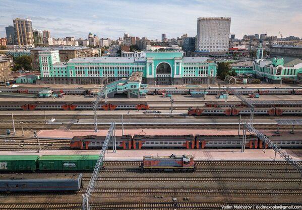 Quang cảnh nhà ga ở thành phố Novosibirsk - Sputnik Việt Nam