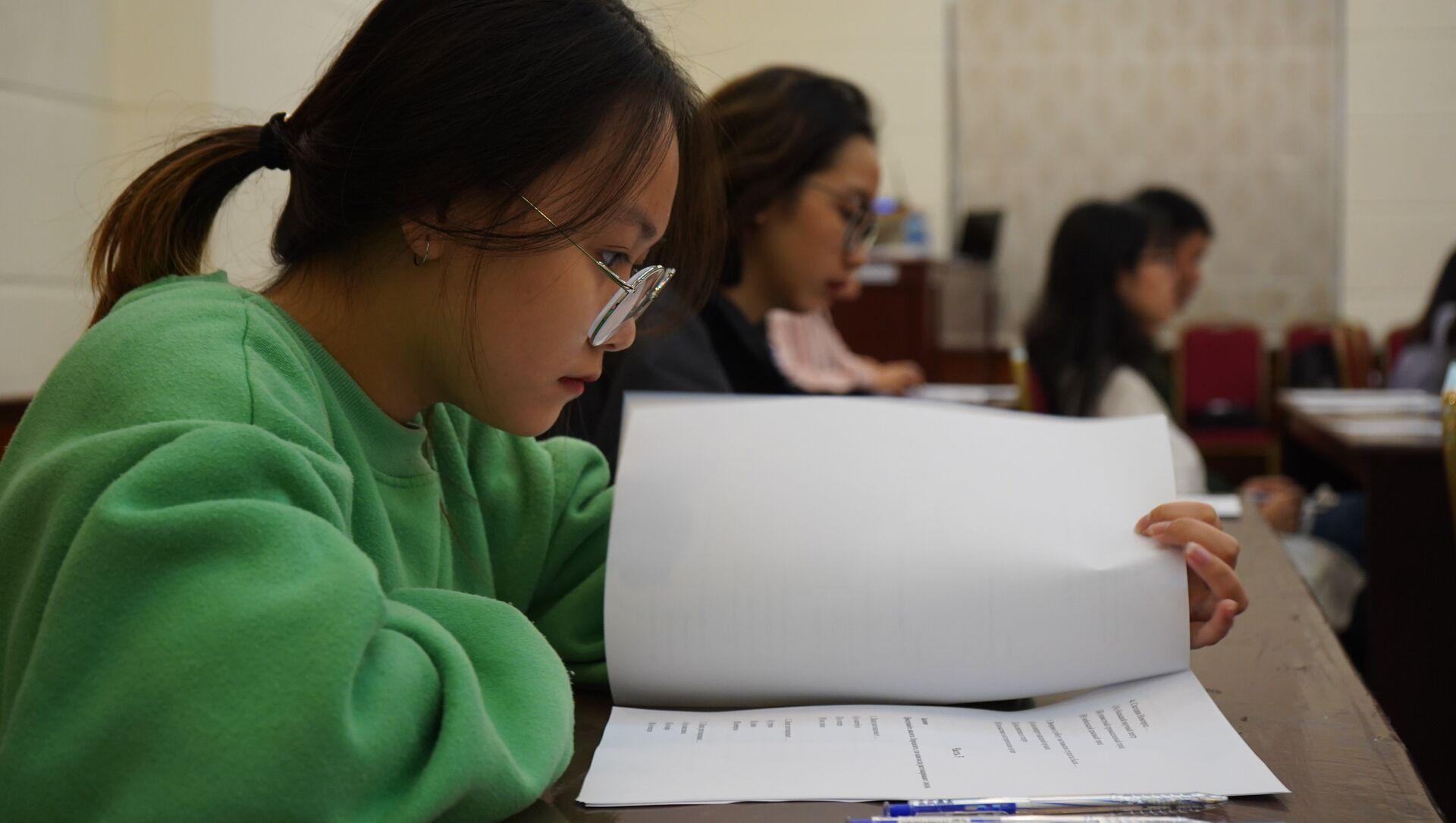 sinh viên chuẩn bị tham dự kỳ thi  - Sputnik Việt Nam, 1920, 28.06.2021