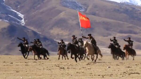 Giáo khoa huấn luyện tấn công hiệu quả của kỵ binh Trung Quốc - Sputnik Việt Nam