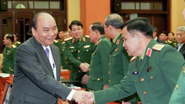 Thủ tướng Nguyễn Xuân Phúc tại trụ sở Bộ Quốc phòng - Sputnik Việt Nam