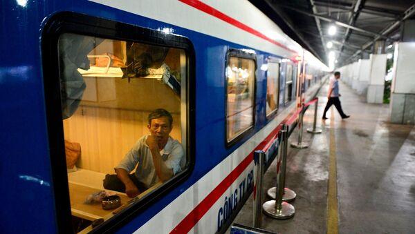 Đường sắt Việt Nam: Tuyến Sài Gòn - Nha Trang (Tàu SNT2) - Sputnik Việt Nam