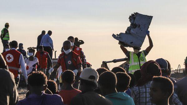 Tại nơi xảy ra vụ tai nạn máy bay Boeing 737 MAX ở Ethiopia - Sputnik Việt Nam