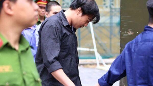 Bị cáo Như được dẫn giải về sau phiên tòa - Sputnik Việt Nam