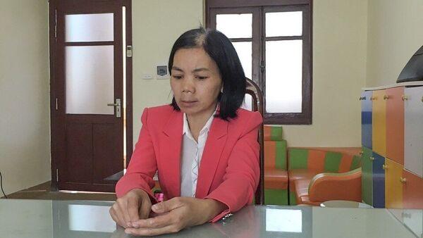 Đối tượng Bùi Kim Thu là vợ của đối tượng Bùi Văn Công bị bắt trước đó. - Sputnik Việt Nam
