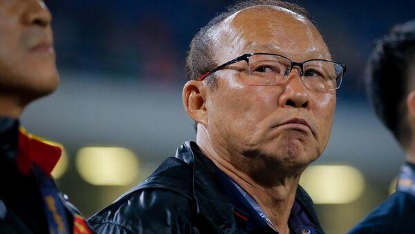 Thành bại của trận đấu tối nay có thể tác động tới kế hoạch chuẩn bị 2 năm tới của HLV Park Hang-seo - Sputnik Việt Nam