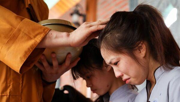 Phật tử chùa Ba Vàng - Sputnik Việt Nam