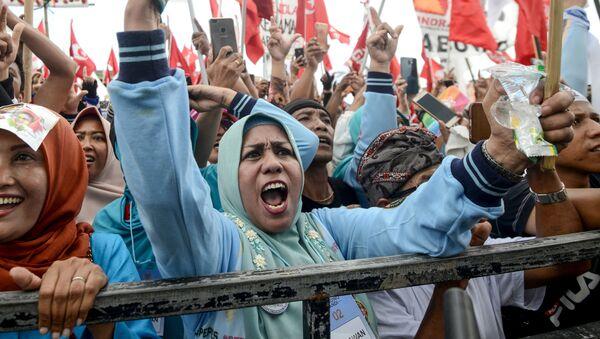 Những người ủng hộ ứng cử viên tổng thống Indonesia Prabovo Subianto tại Denpasar, Bali - Sputnik Việt Nam