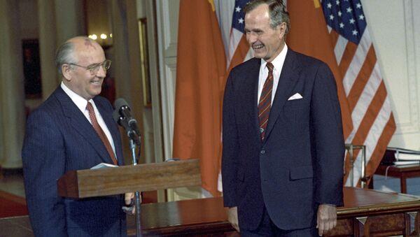 Mikhail Gorbachev và George W. Bush  - Sputnik Việt Nam