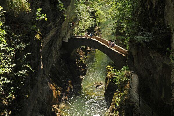 Cầu ở hẻm núi Arez, Thụy Sĩ - Sputnik Việt Nam