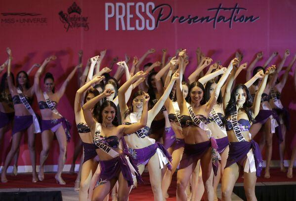 Nữ thí sinh tham gia cuộc thi Hoa hậu Philippines tại thành phố Quezon - Sputnik Việt Nam