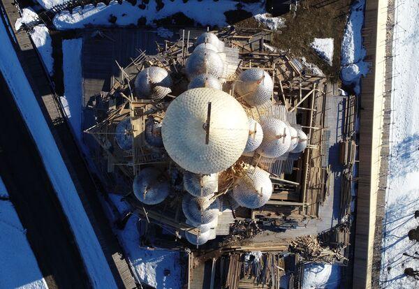 Mái vòm nhà thờ Hiển linh trên đảo Kizhi ở Karelia - Sputnik Việt Nam