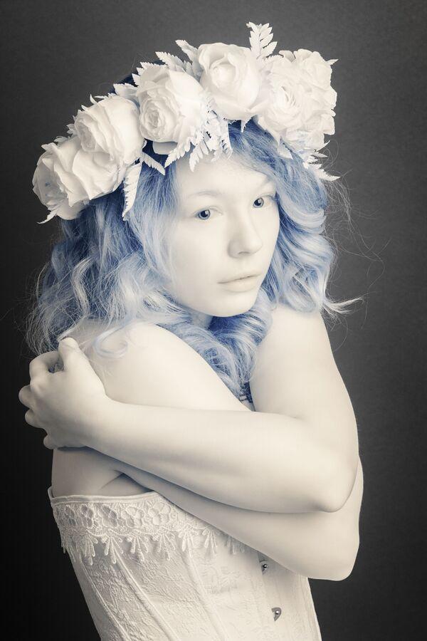 Bức ảnh Girl (Cô gái) của nhiếp ảnh gia Pierre-Louis Ferrer, giải nhất trong hạng mục Infrared Portrait (Chân dung hồng ngoại) của cuộc thi ảnh Life in Another Light - Sputnik Việt Nam