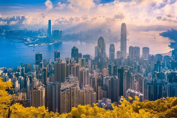 Bức ảnh từ loạt ảnh Hong Kong: The Golden City (Hồng Kông: Thành phố vàng) của nhiếp ảnh gia Trần Minh Dũng, giải 2 trong hạng mục Photo Essay (Phóng sự ảnh) của cuộc thi ảnh Life in Another Light - Sputnik Việt Nam