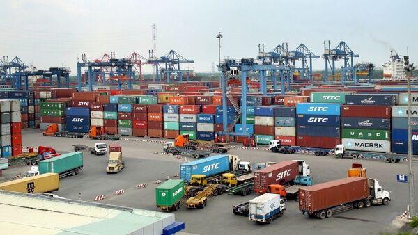 Hoạt động xuất nhập khẩu hàng hóa tại cảng Sài Gòn khu vực 1.  - Sputnik Việt Nam