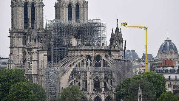 Nhà thờ Đức Bà Paris sau đám cháy  - Sputnik Việt Nam