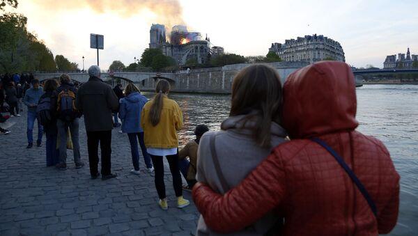 Vụ cháy Nhà thờ Đức Bà Paris - Sputnik Việt Nam