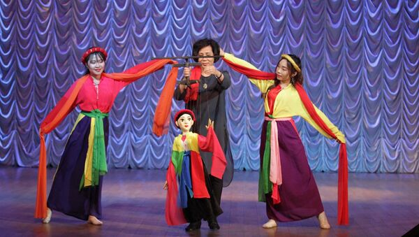 Chương trình ca nhạc Tâm hồn đồng điệu Việt Nga tại trường Đại học Tài chính trực thuộc Chính phủ LB Nga - Sputnik Việt Nam