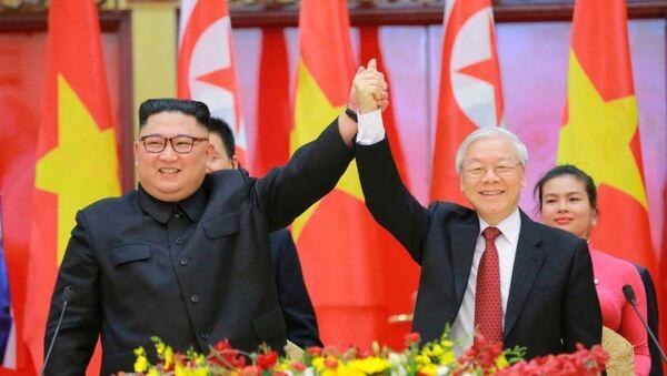 Chủ tịch Kim Jong-un và Tổng Bí thư, Chủ tịch nước Nguyễn Phú Trọng.  - Sputnik Việt Nam
