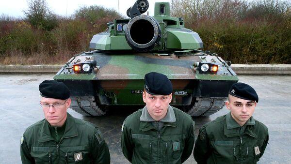 Pháp sẽ gửi xe tăng và quân đội đến biên giới Nga - Sputnik Việt Nam
