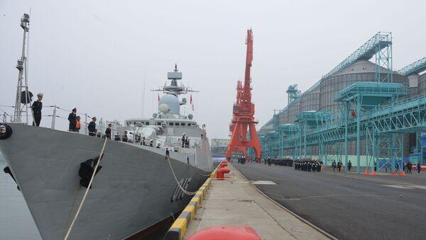 Tàu hộ vệ tên lửa Gepard Việt Nam 011 Đinh Tiên Hoàng ở Trung Quốc - Sputnik Việt Nam