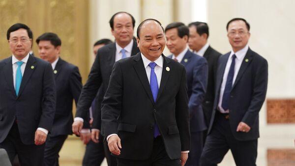 Thủ tướng Nguyễn Xuân Phúc hội kiến Tổng Bí thư, Chủ tịch nước Trung Quốc Tập Cận Bình - Sputnik Việt Nam