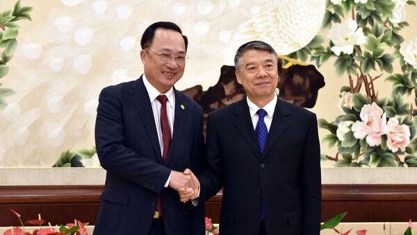 Thượng tướng Nguyễn Văn Thành, Ủy viên Trung ương Đảng, Thứ trưởng Bộ Công an và Lưu Chiêu (Liu Zhao), Thứ trưởng Bộ Công an Trung Quốc  - Sputnik Việt Nam