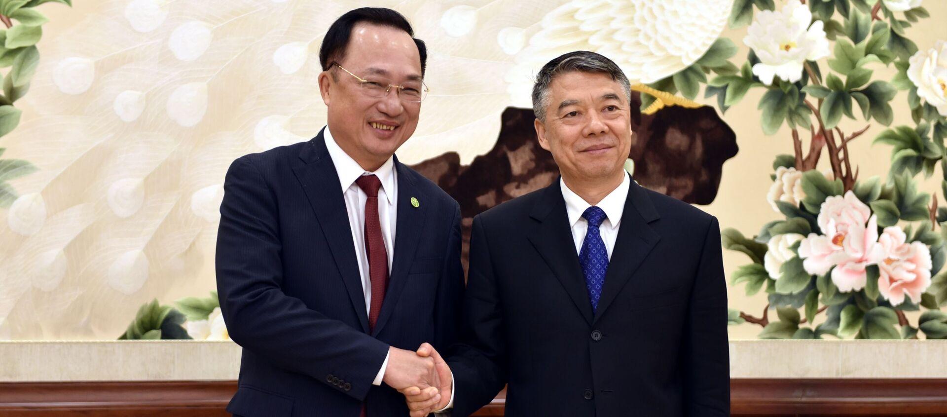 Thượng tướng Nguyễn Văn Thành, Ủy viên Trung ương Đảng, Thứ trưởng Bộ Công an và Lưu Chiêu (Liu Zhao), Thứ trưởng Bộ Công an Trung Quốc  - Sputnik Việt Nam, 1920, 29.04.2019