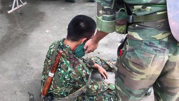 Chiến sĩ bị thương vụ lật xe tải quân sự - Sputnik Việt Nam