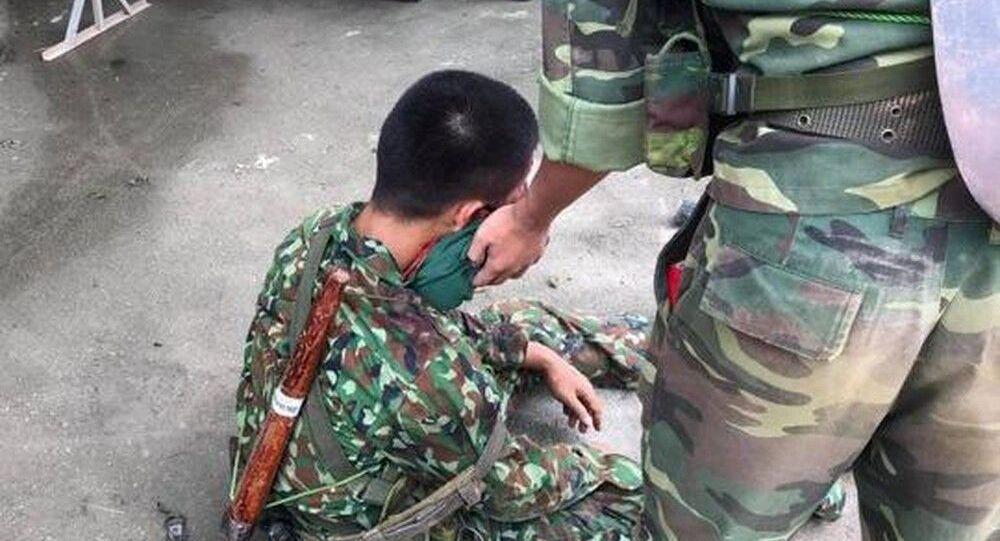 Chiến sĩ bị thương vụ lật xe tải quân sự