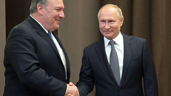Vladimir Putin và Mike Pompeo - Sputnik Việt Nam