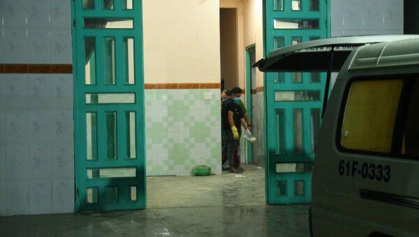 Căn nhà phát hiện hai thi thể bị đổ bê tông bỏ trong bồn nước. - Sputnik Việt Nam