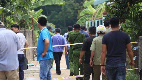 Công an phong toả hiện trường vụ phát hiện xác chết được đổ bê-tông ở Bình Dương - Sputnik Việt Nam
