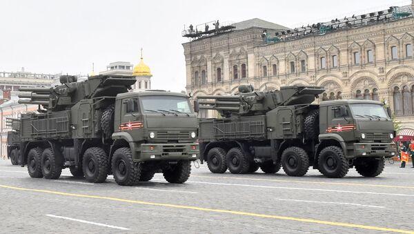 Hệ thống tên lửa phòng không Pantsir-S1 tại Cuộc diễu hành Chiến thắng ở Moskva - Sputnik Việt Nam