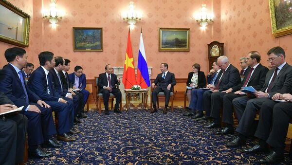 Thủ tướng Dmitry Medvedev đã hội đàm với Thủ tướng Việt Nam Nguyễn Xuân Phúc - Sputnik Việt Nam